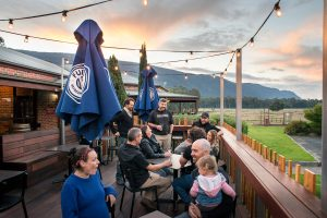 HGH LIVE Sessions with Phil Holmes @ Halls Gap Hotel | Halls Gap | Victoria | Australia